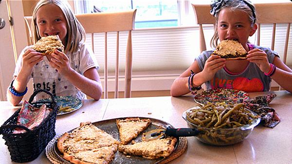 Kids Don't Like Veggies? Make Pizza!